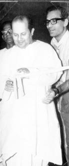 DEVAKANTA BAROOAH INAUGURATES 1969 EXHIBITION